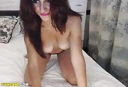 Sexy Aunt Fingering Her Dripping Wet Pussy On Webcam