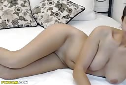 Glamorous Busty Cam Model Showing Off Naked On Webcam