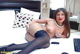 Beautiful Aunt In Stockings Has A Really Good Time