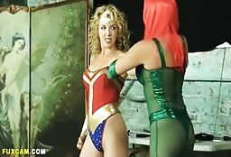 Blonde Wonder Woman As Come To Seduce Some Sexy Bitches