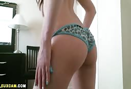 Sweet Romanian Escort Girl Showing Her Amazing Booty Off